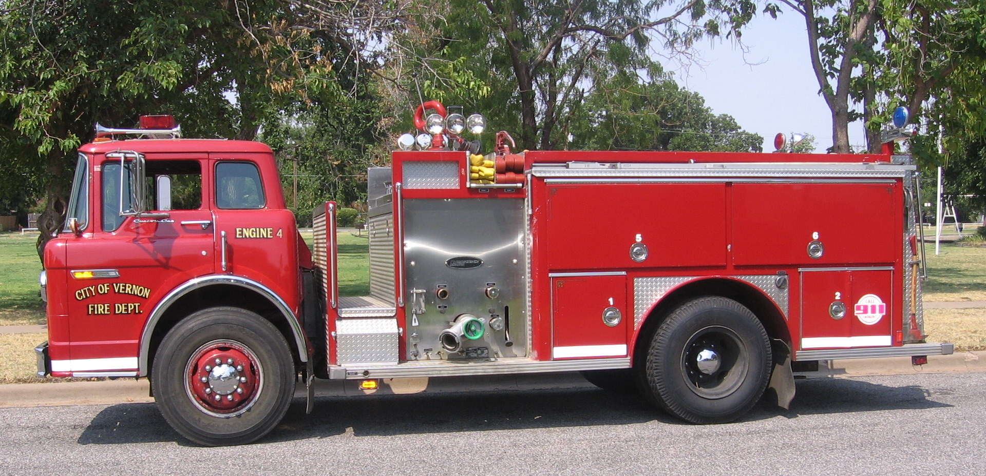 Engine 4: 1985 Ford C 800/E-ONE