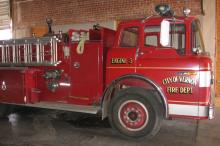 Engine 3: 1975 Ford C-800 FACT